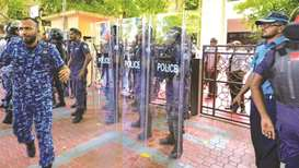 Yameen shuts parliament to block impeachment vote