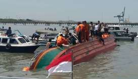 Indonesia speed boat capsizes, killing at least 10