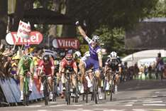 Tearful Kittel bursts through in sprint to win sixth stage