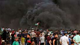 Israeli air strikes hit Gaza after bloody border protests