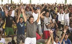 Nation erupts in joy after Pacquiao win