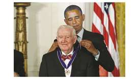 Retired justice Stevens dies, leaving liberal legacy