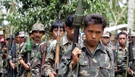 Philippines, rebels relaunch peace talks