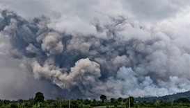 Volcanic eruptions in Indonesia hit air travel