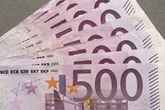 Strong euro leads major bond buyers into govt debt rethink
