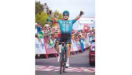 Froome extends lead as Lutsenko takes stage