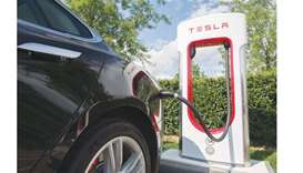 Tesla said to seek wide investor pool for taking private