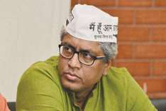 Ashutosh quits AAP, cites personal reasons