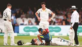 'Groggy' Smith misses final day of second Test, in doubt for third