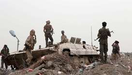 Separatists seize two Yemeni government military bases