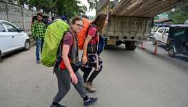 Anxious tourists flee Indian Kashmir after 'terror' warning