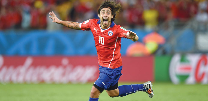 Chile playmaker Valdivia retires from international football