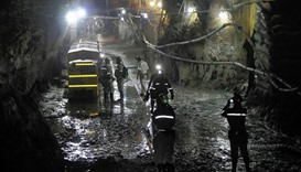 Illegal miners trapped in disused South Africa gold mine