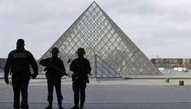 Man arrested after attacking Paris patrol soldier