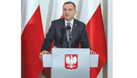 Polish president concedes in row over judicial reform