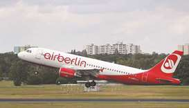 Air Berlin races to clinch deal with Lufthansa, easyJet
