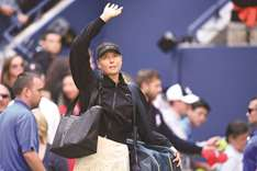 Maria Sharapova back in business on and off court