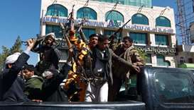 Yemen rebels grounded in Sanaa as peace talks on hold