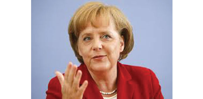 Merkel supports new push for European army