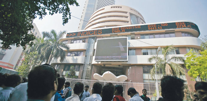 Sensex declines further; rupee strengthens