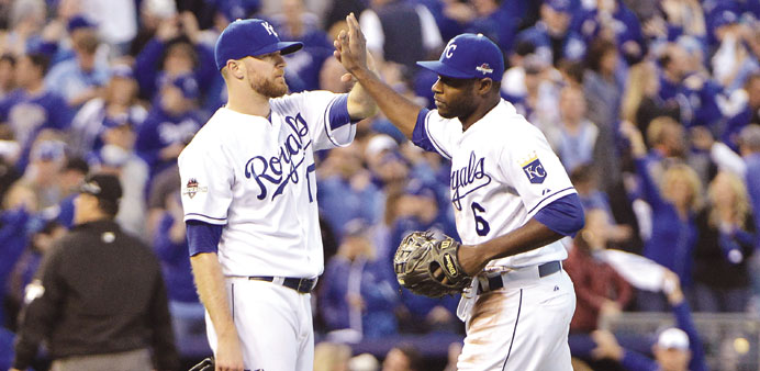 Royals stun Jays to grab 2-0 lead