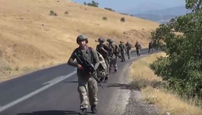 Turkish soldiers being deployed near Beytussebap district in Sirnak province