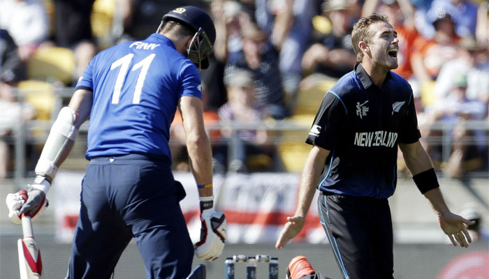 Southee and McCullum star as New Zealand rout England