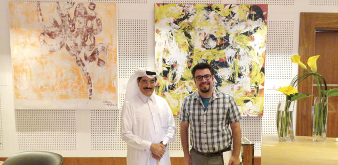 Minister visits art exhibition