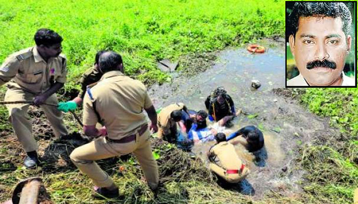 Police and rescue personnels recovering the bodies from the flooded pit. Inset: Ishaq