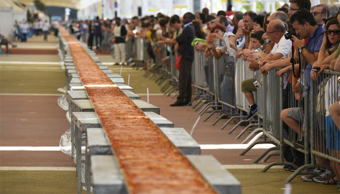 Italy dishes up world record with longest ever pizza