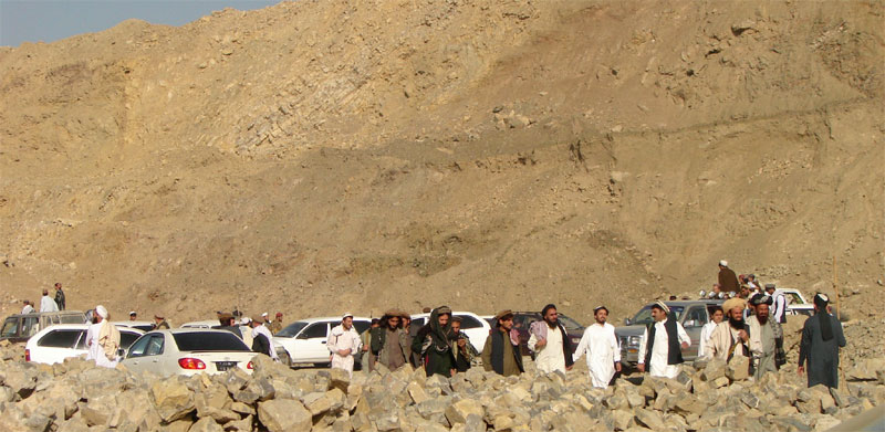 A group of alleged Pakistani Taliban flee from the mountainous North Waziristan