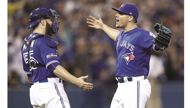 Indians close out Jays, reach World Series