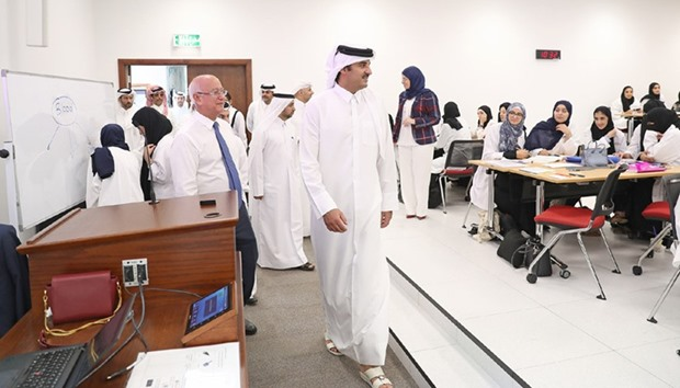 HH the Emir interacting with students at the College of Engineering.