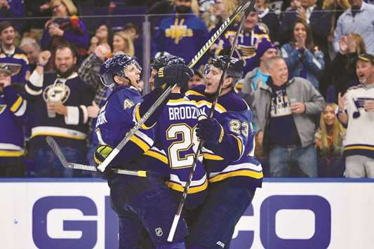 Blues extend unbeaten streak with win over Kings