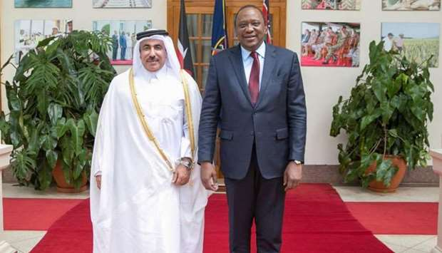 HE the Minister of Transport and Communications Jassim bin Said al-Sulaiti with Kenyan President Uhu