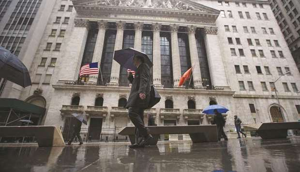 Wall Street banks eyeing technology to combat bond trading weakness