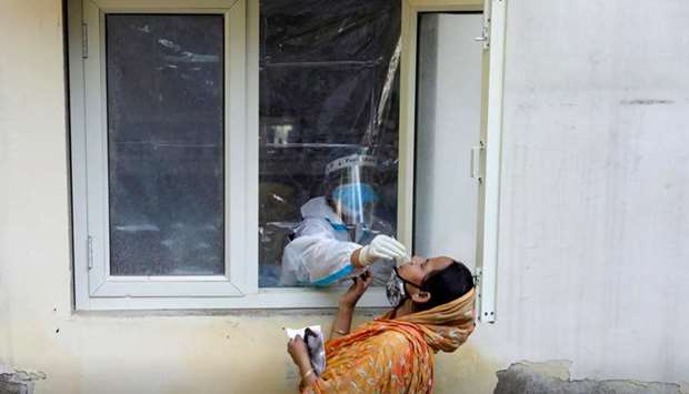 Deaths from Covid-19 infections rose by 895 to 112,161, the Indian ministry said.