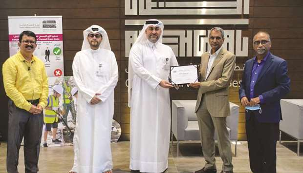 Ashghal felicitates Galfar officials on the 3mn safe man-hours achievement.
