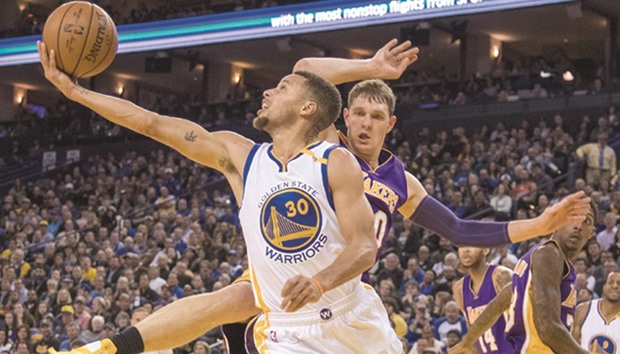 Warriors eventually find flow without Green, beat Minnesota
