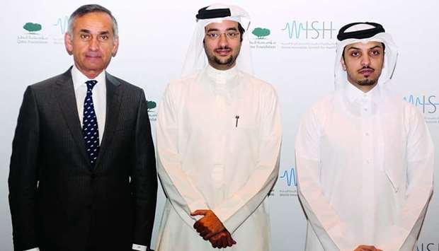 Prof the Lord Darzi of Denham, Omran Hamad al-Kuwari and Khalifa al-Kubaisi at the press conference.