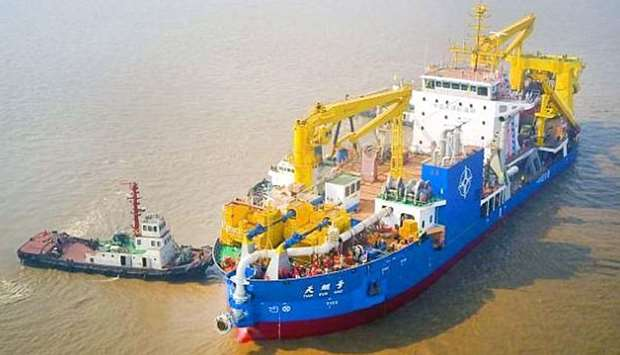 China's massive dredging vessel