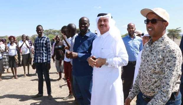 Qatar's ambassador to Kenya, Jabor bin Ali al-Dosari, participated in the distribution of food to th