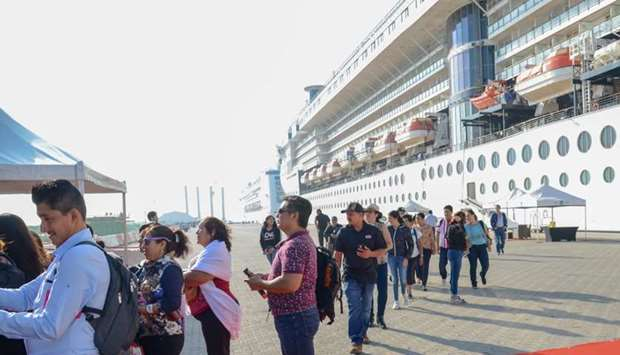 Cruise ship visitors upon their arrival.
