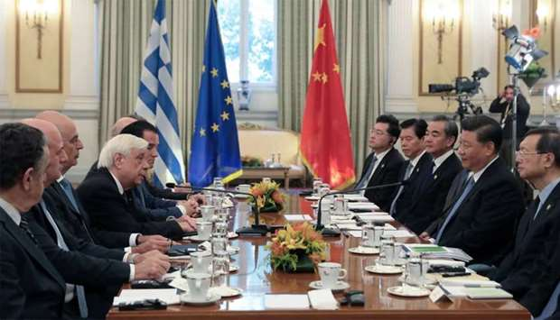 Greek President Prokopis Pavlopoulos and Chinese President Xi Jinping meet at the Presidential Palac