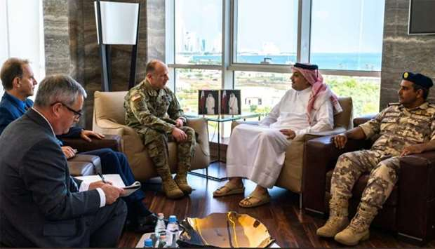 Defence minister meets commander of the US Transportation Command