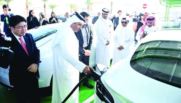 9Kahramaa chief Essa bin Hilal al-Kuwari during the launching of Tarsheed Photovoltaic Station for E