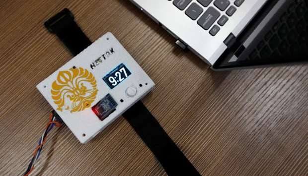 Nettox, a wristband device invented by Indonesian students to alert people about the time they spent