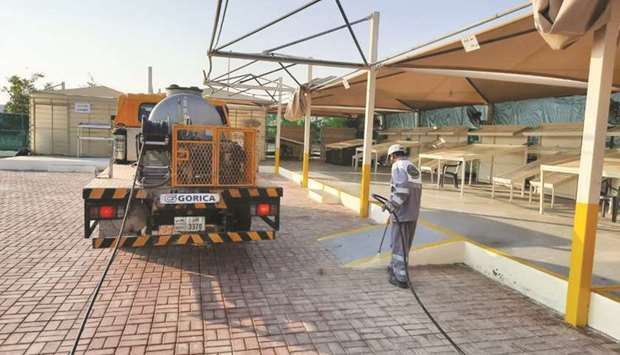 Al Shamal Municipality's Services Affairs Department implemented 17 applications for tree pruning, a