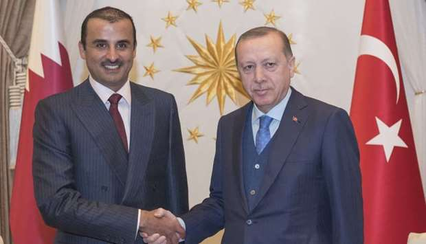 Emir, Turkish president discuss strengthening strategic co-operation