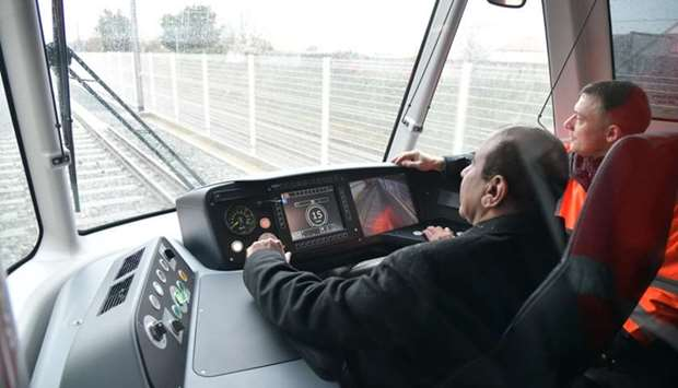 HE the Minister of Transport and Communications Jassim Seif Ahmed al-Sulaiti during the testing of t
